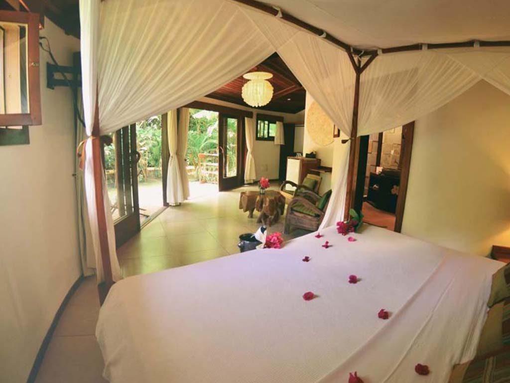 Paua Hotel