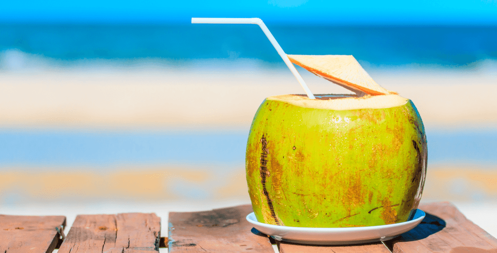Know the main benefits of coconut water